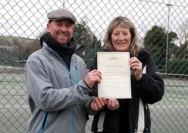 Short-Tennis Tournament winners Jos Woolford and Della Joint